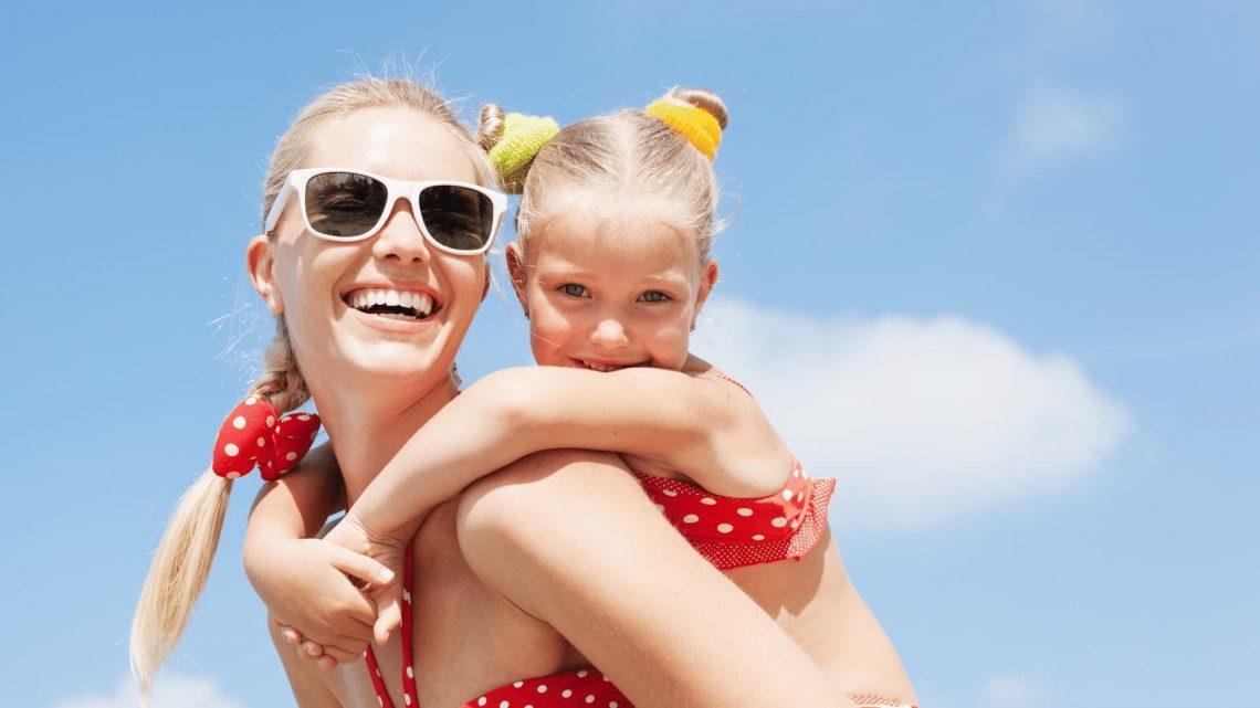 trajes de baños para mamá e hija combinar en verano 2021